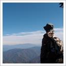天生山頂から北アルプスを望む(10月)