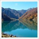 秋の白水湖(10月)